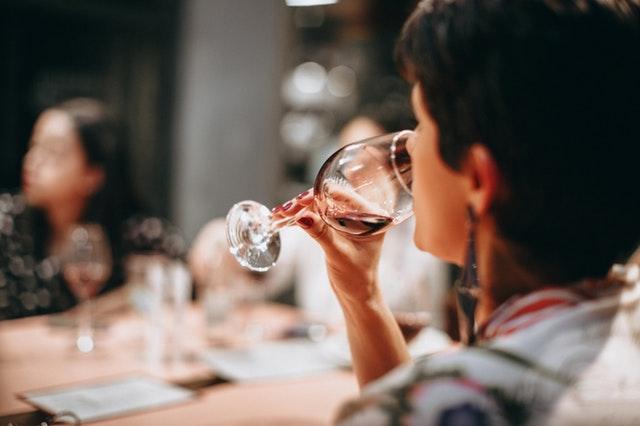 Der passende Wein für verschiedene Käsesorten
